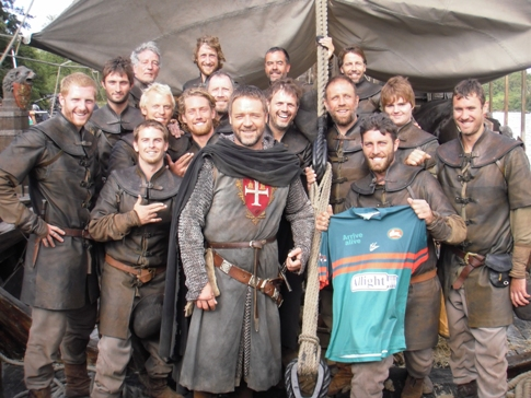 Image of Russell Crowe and the marine crew